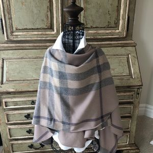 Burberry Wool Poncho Very Gently Worn 3-4 times.